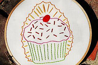 Cupcake-o-guadalupe2-pimpstitch